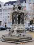 Uk-greater-london-london-corporation-of-london-finsbury-square-broken-fountain
